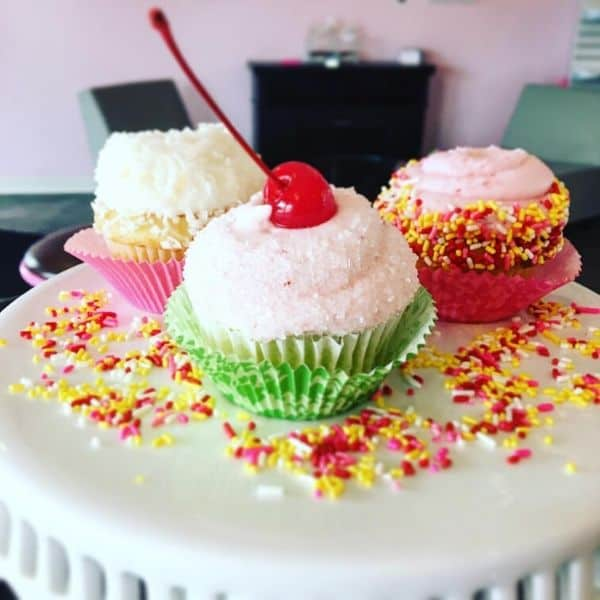 Colorful Cupcake Design Idea | Holland Cakery 'n' Sweets